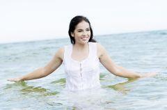 W�osy w morskich i s�onecznych k�pielach