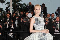 Prze�liczne sukienki Diany Kruger!