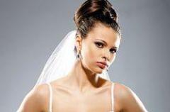Cudowna Panna M�oda w luksusowej bieli�nie