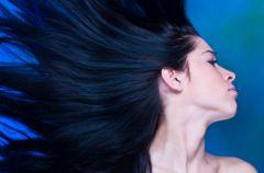 Serum stymuluj�ce porost i wzmacnianie w�os�w