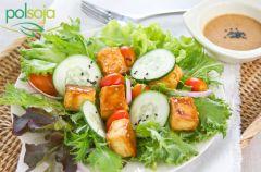 Sa�atka z tofu glazurowanym w sosie sezamowym