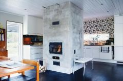 Klimatyczny kominek w kuchni