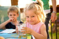 Co jedz� nasze dzieci?