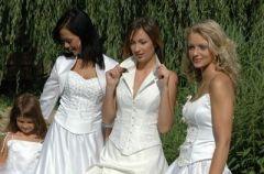 Kolekcja sukien �lubnych firmy Bajor