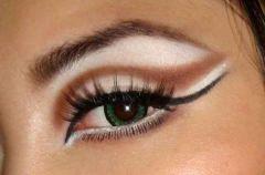 Triki w makija�u oczu