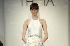 Przepi�kne suknie �lubne Theia White jesie�-zima 2014/15