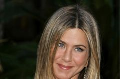 Jennifer Aniston - fryzura i makija�
