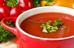 Zupa z czerwonej papryki i chilli