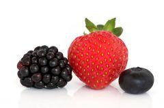 Jak usun�� plamy z owoc�w?