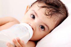 Co mamy wiedz� o wapniu i witaminie D w diecie najm�odszych dzieci?