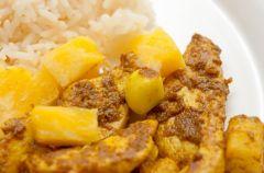 Roladki z indyka z ananasem