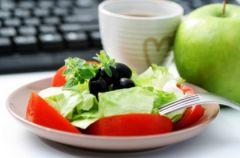 Zdrowe i lekkie przek�ski w pracy