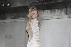 Kolekcja White - suknie Gosi Baczy�skiej