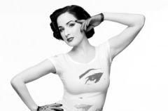 Arty�ci i H&M przeciw AIDS - specjalna kolekcja 2009