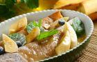 Tropikalne nale�niki z bananami