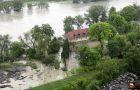 Wielka fala zalewa Polsk�
