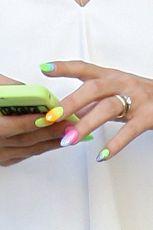 10 pastelowych lakier�w do paznokci na lato 2014