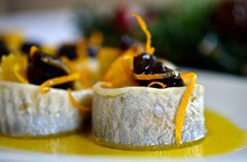 Kuchnia okazjonalna - �wi�teczne koreczki �ledziowe