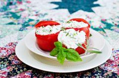 Pomidory faszerowane fet� - Lekka kuchnia We-Dwoje.pl