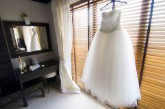 6 pomys��w na to, co zrobi� z sukni� �lubn� po weselu