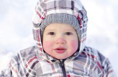 Opieka nad dzieckiem - tego nie wolno robi� zim�!