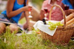 Piknikowe przek�ski na maj�wk�