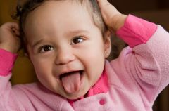 Zaka�enie dr�g moczowych u dzieci