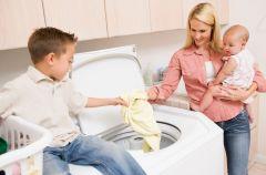 Jak spra� plamy z ubranek dzieci�cych?