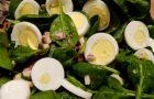 Sa�atka z jajek i pieczarek