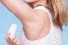 Nadmierna potliwo�� - sk�d si� bierze i jak j� leczy�?