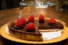 Francuski placek malinowo-czekoladowy