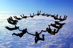 Skoki spadochronowe - rozrywka dla odwa�nych!