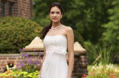 Modne suknie �lubne Mon Cheri 2011/2012