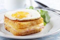 Croque monsieur i croque madame – najs�ynniejsze francuskie tosty