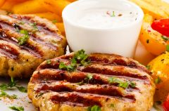 Stek z pol�dwiczki wieprzowej z sosem chrzanowym