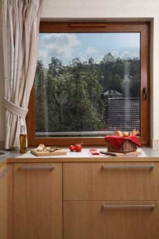 Jak zaradzić parowaniu okien ?
