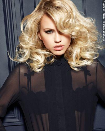 10 zmysłowych fryzur z długich włosów