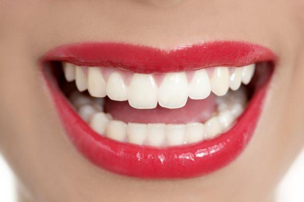 Jak dbać o zęby by móc cieszyć się nimi?
