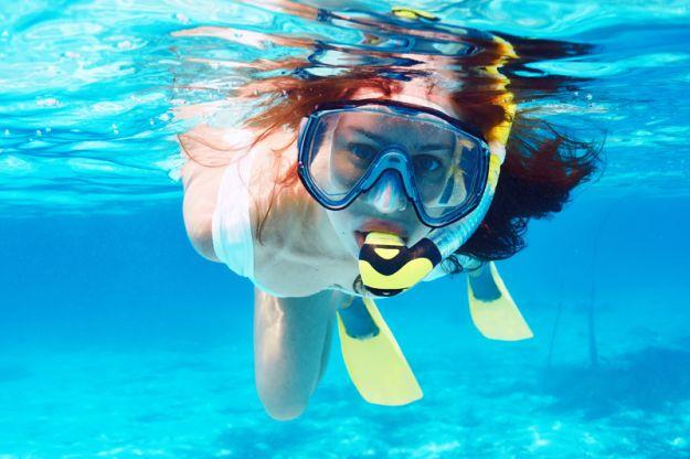 Lubisz pływać? Tak unikniesz syndromu ucha pływaka!