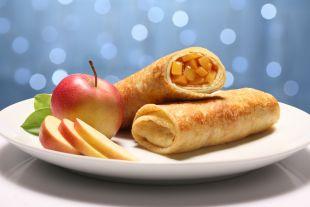 Szafranowe naleśniki nadziewane jabłkami z orzeszkami pini i migdałami