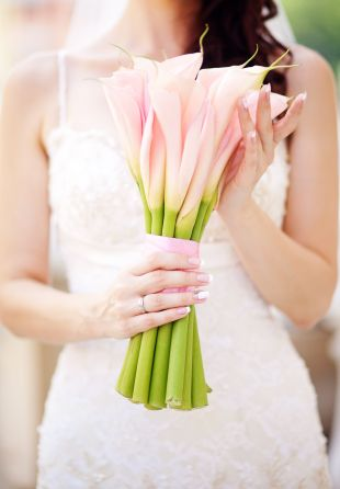 Na przekór przesądom: kalie i lilie