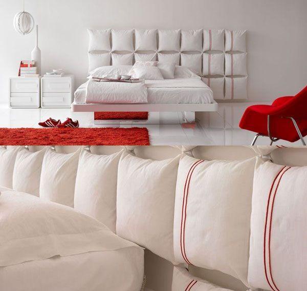 łóżko obite poduszkami