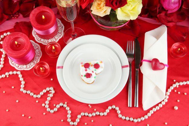 Romantyczne dekoracje stołu