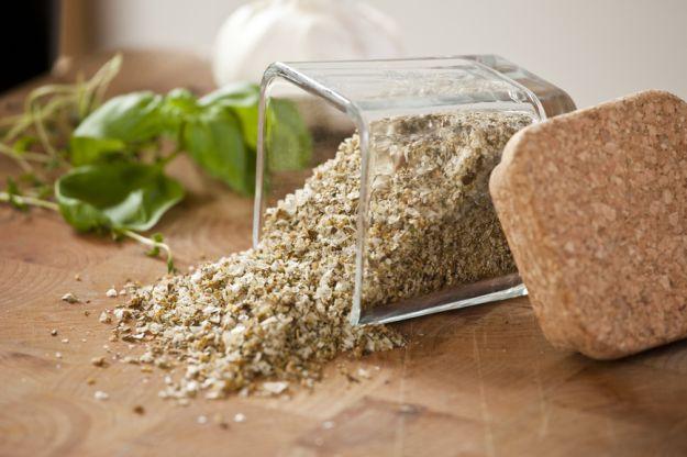 Jak zrobić sól ziołową?