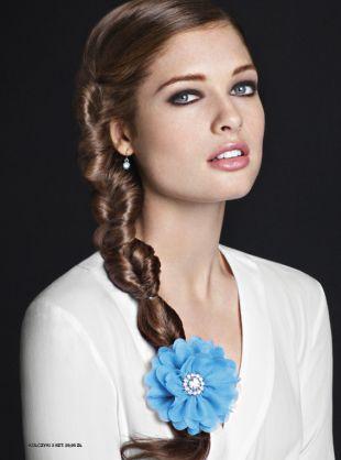 Fryzury na ślub - ozdoby i akcesoria do włosów