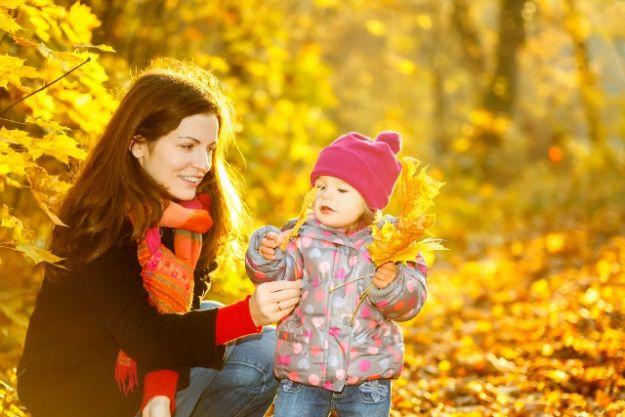 Jesienny spacer z dzieckiem - o czym warto wiedzieć?