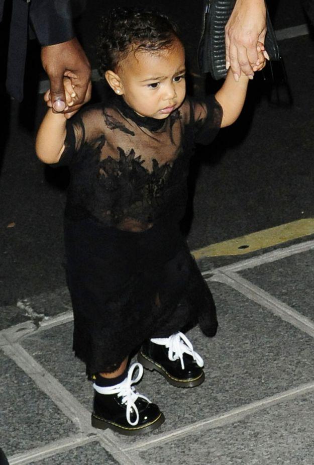Kim Kardashian zabrała swoją córeczkę na pokaz mody