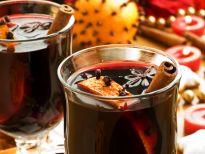 5 mocno rozgrzewających napojów na zimowe wieczory