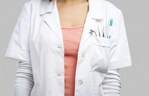 Jak rozpoznać objawy paradontozy i leczyć tę chorobę?