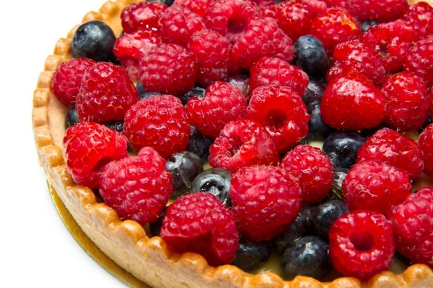 Tarta z letnimi owocami